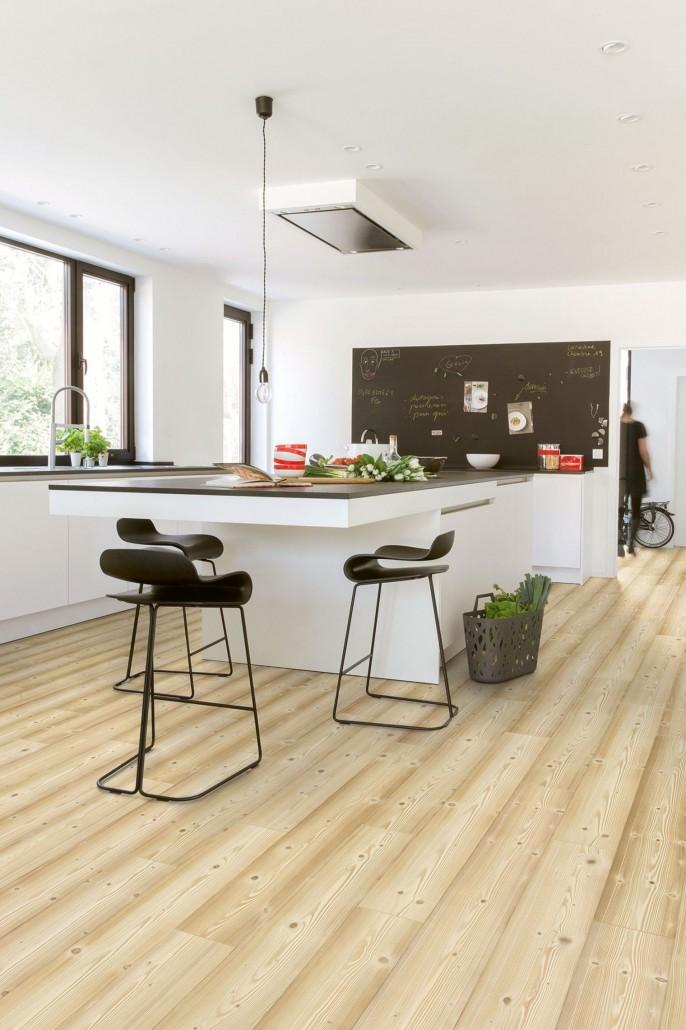 Alcore construye s l instalaci n de tarimas flotantes - Deco stijl chalet ...